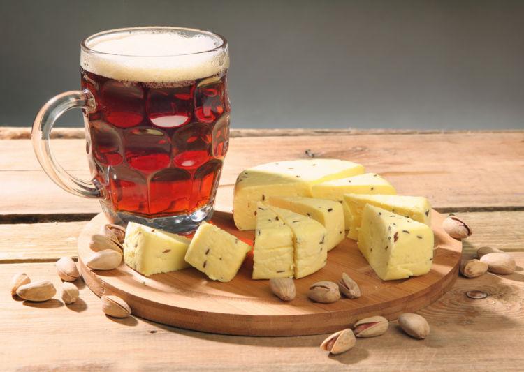 ビールとチーズの相性は? おすすめのたのしみ方