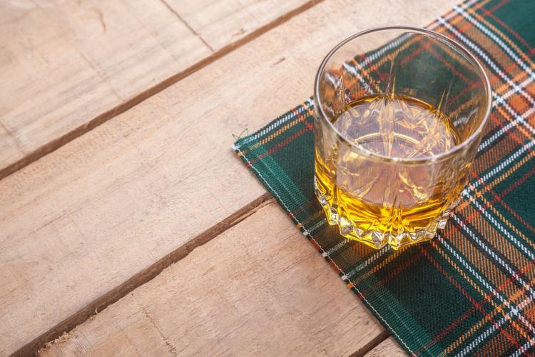 スコッチウイスキーの種類を知って、尽きない魅力を感じよう!