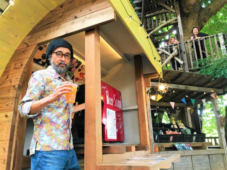 ツリーハウスの木々に囲まれながらクラフトビール&かき氷を楽しむ「コムナdeビアガーデン」