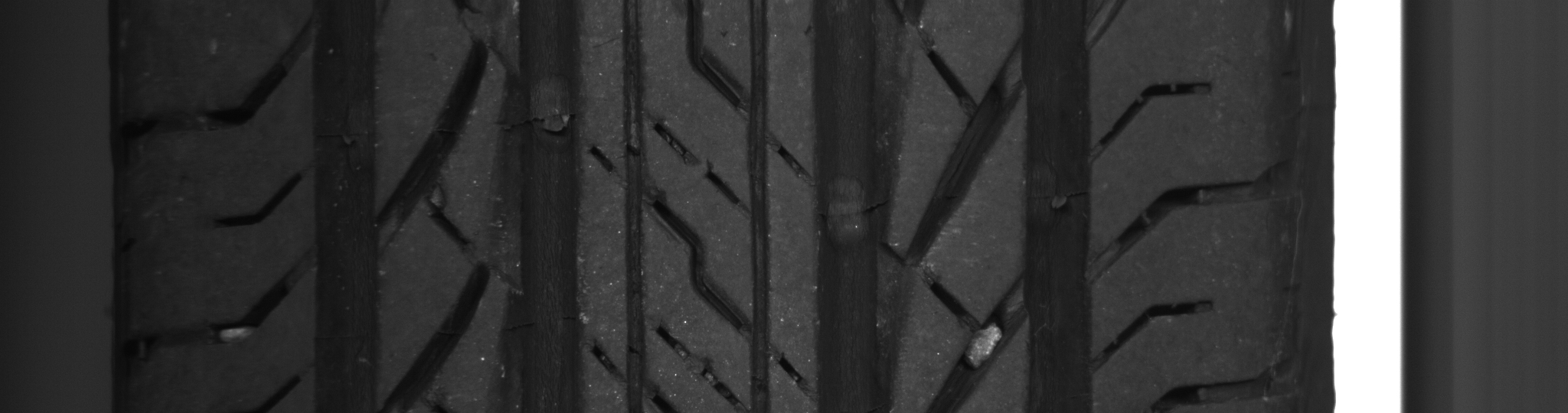 タイヤ  - その他メーカー その他  Ref:SP235214_581     1/1