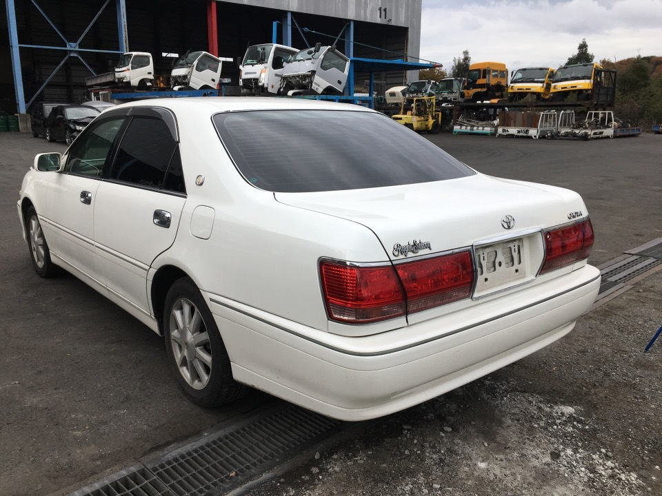 TOYOTA Crown   Ref:SP252785     3/20