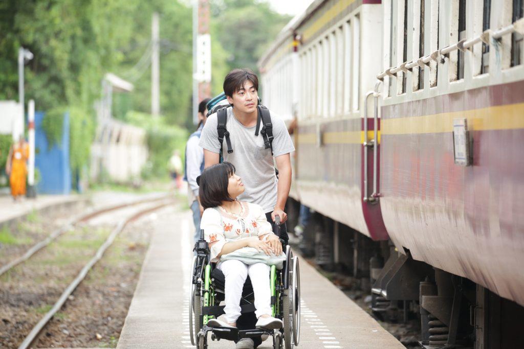 『37セカンズ』(2019年、日本)、監督のHIKARIが第14回(2020年)アジアン・フィルム・アワードで新人監督賞を受賞し、主演の加山明が2020年フェロー島映画祭で新人演技賞を受賞した