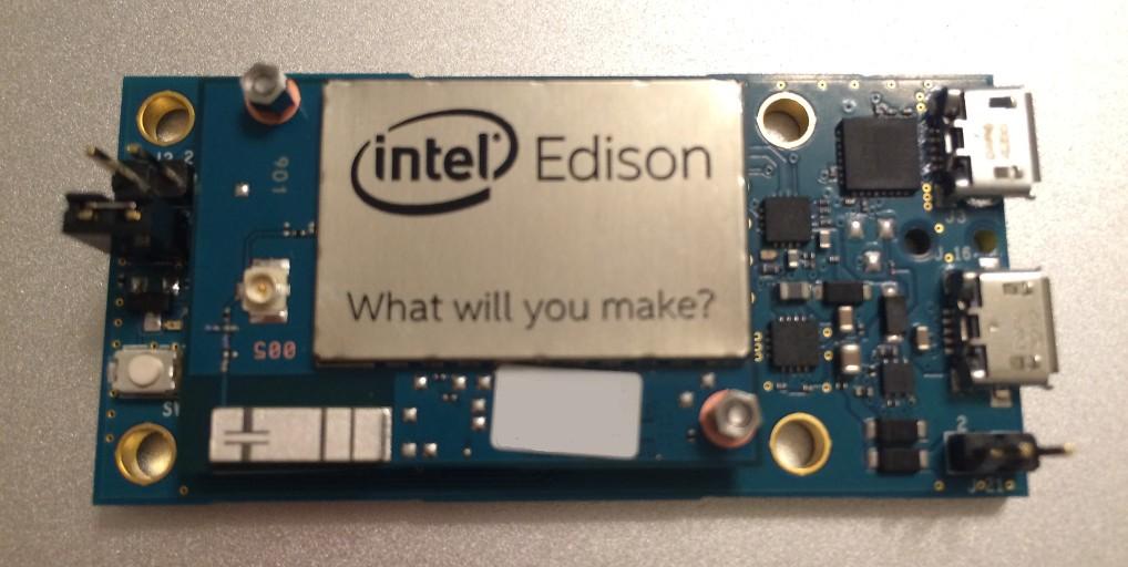 SDカードサイズの極小コンピューター、「Intel Edison」を手に入れた