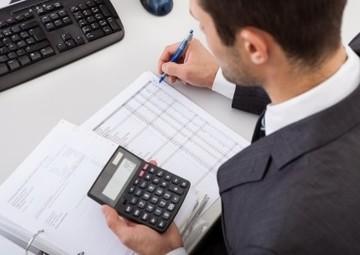 フリーランサーが税理士に記帳代行・確定申告書の作成を依頼するメリット・デメリット