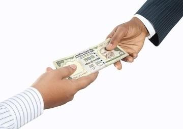 法人から個人(役員)へ低額譲渡する場合の注意点
