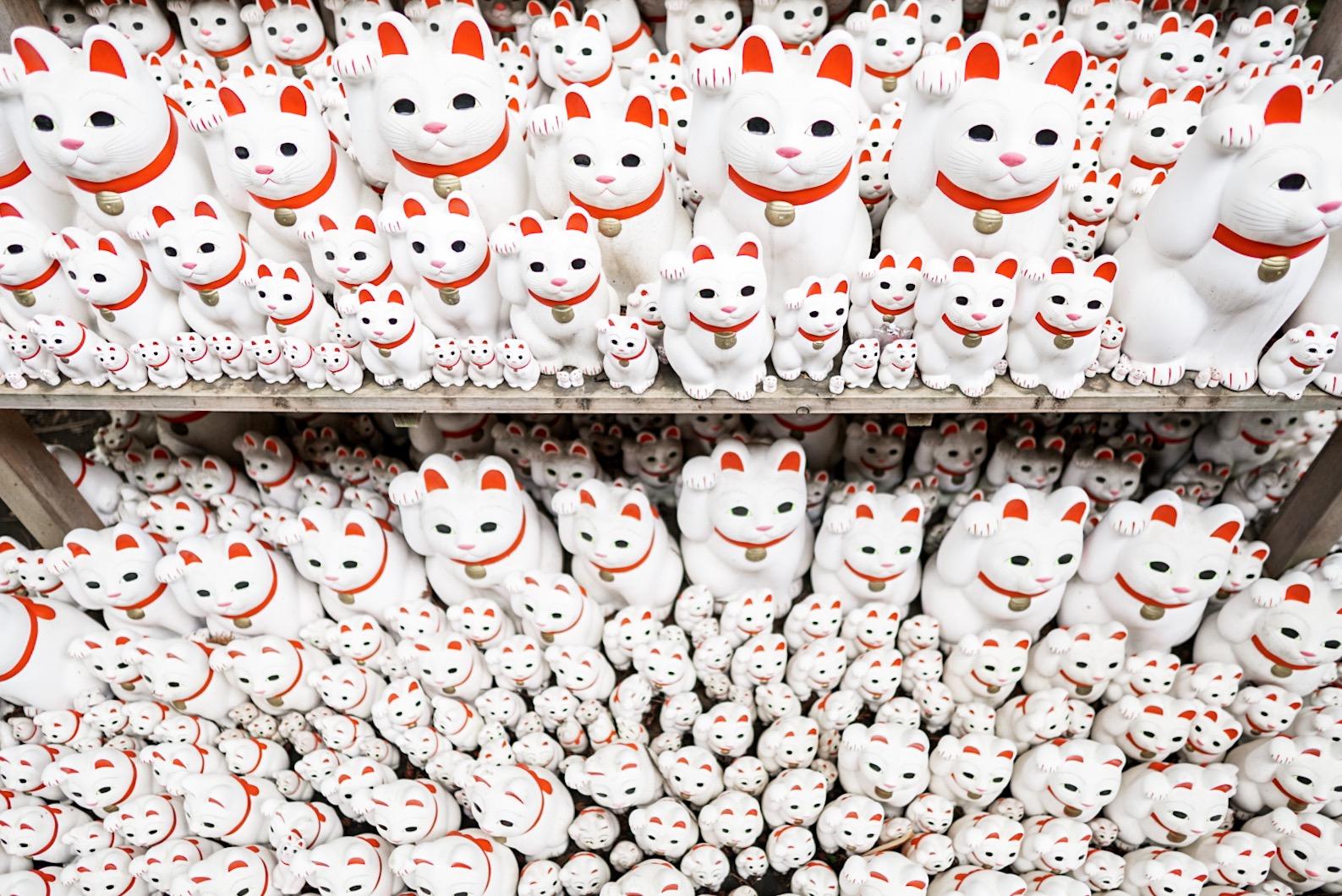 Gotokuji Temple Maneki Neko Cat Figurines