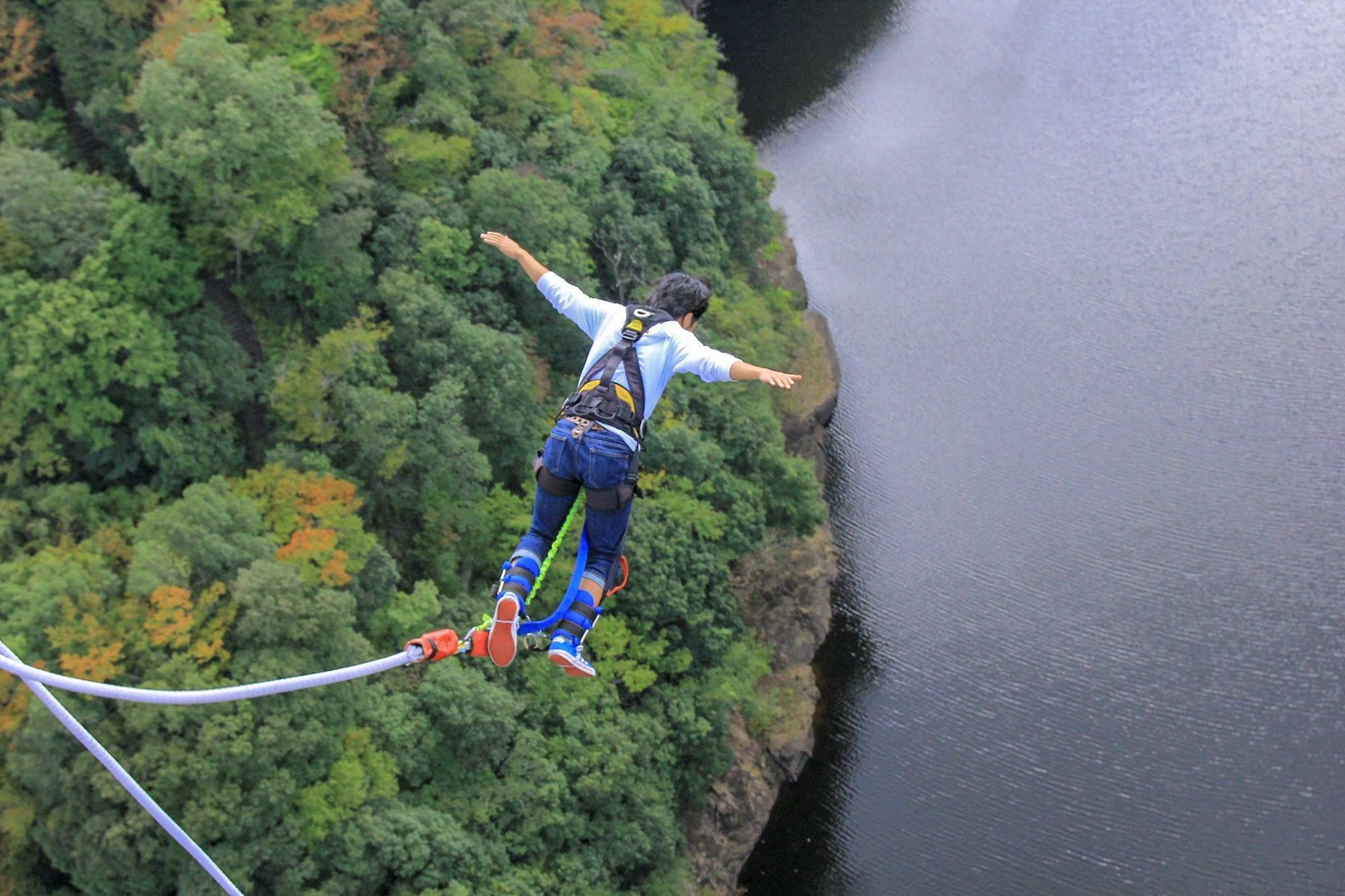 Hasil gambar untuk bungee jump