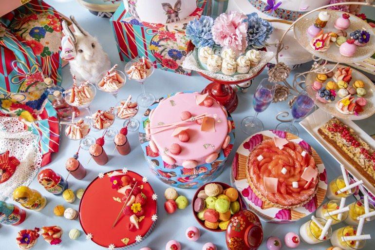 다이쇼 로망을 이미지화한 케이크