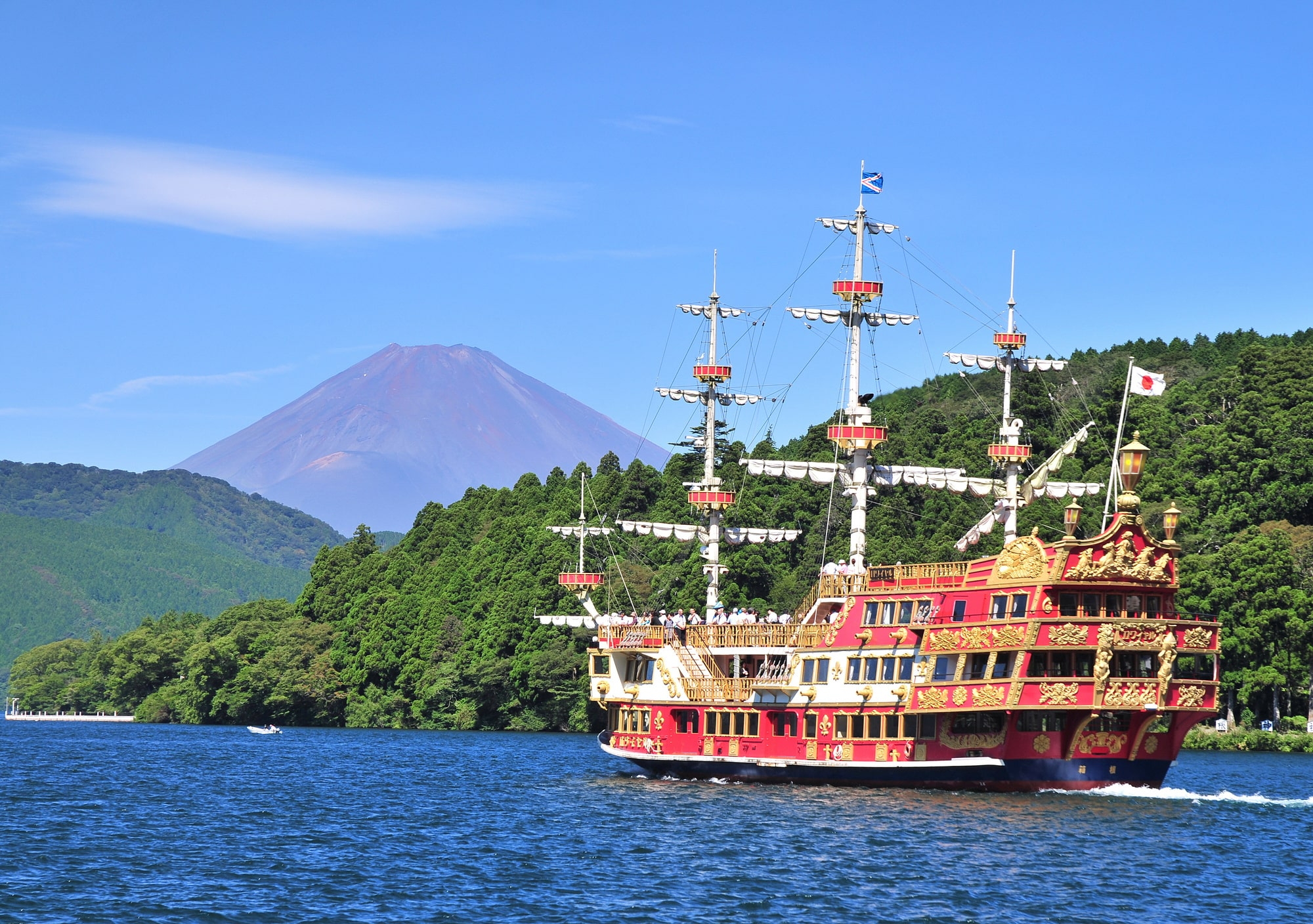 Cruise Hakone S Lake Ashi On A Pirate Ship Nearby Spots Ticket Deals The Gate Japan Travel Magazine Find Tourism Travel Info