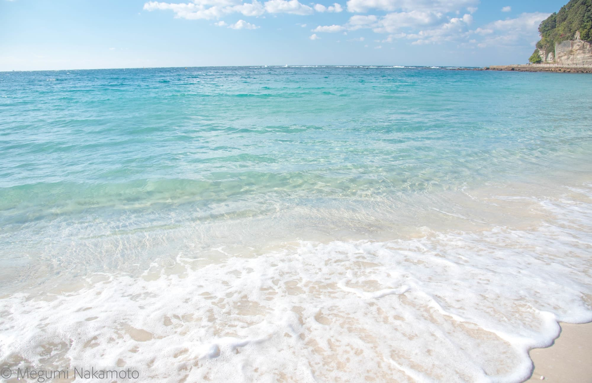 有着清澈透明大海与白色沙滩的白良滨