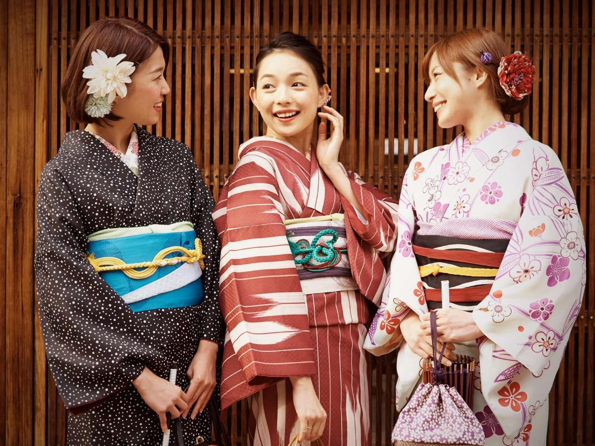 日本の伝統衣装【着物】の柄に込められた素敵な意味とは? THE GATE 日本の旅行観光マガジン・観光旅行情報掲載