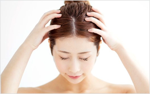 女性の抜け毛・薄毛の原因
