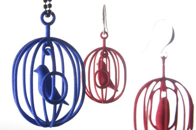 鮮やかな色と緻密な造形が魅力!3Dプリンティングのアクセサリー