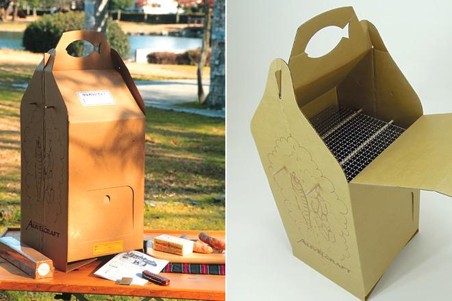 女性陣から歓喜の声があがる、段ボール製の薫製BOX