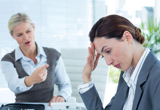 嫌いな同僚から離れて「ポジティブ」に働くには?