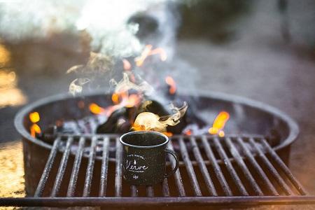 直火にも対応しているチタンマグカップ