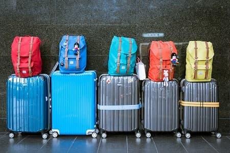 スーツケースに