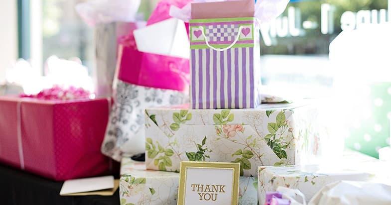 タオルのプレゼントを贈るシチュエーション例