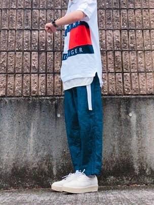 インナーを「見せる」コーデ 出典:wear.jp