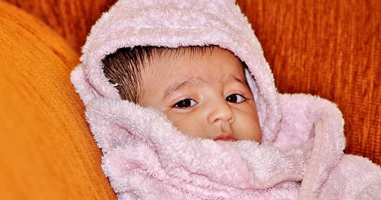 ベビー用バスタオルは3〜4枚用意する