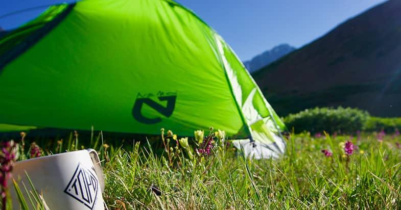 登山やキャンプで使えるマグカップにはほかにどんな素材がある?