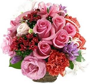 参照:5本のバラと季節のお花のリボンアレンジメント
