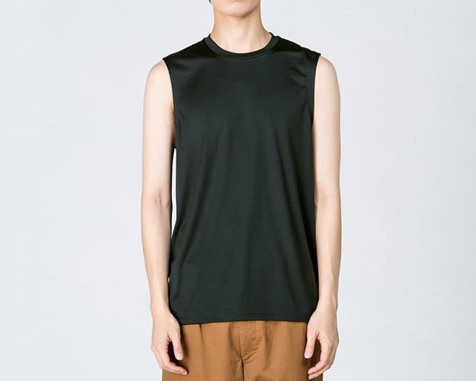 インターロックドライノースリーブの着用イメージ:モデル 身長184cm ブラック Mサイズ着用