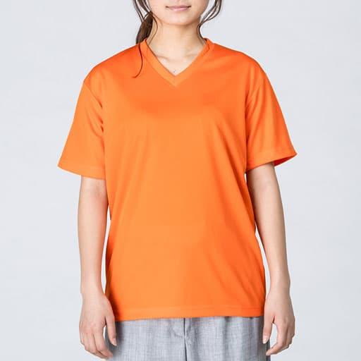 スポーツドライVネックTシャツの着用イメージ:モデル:身長161cm、オレンジ/Sサイズ着用