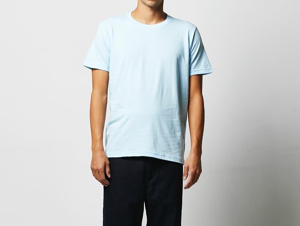 男性モデル 身長182cm ライトブルー Lサイズ着用