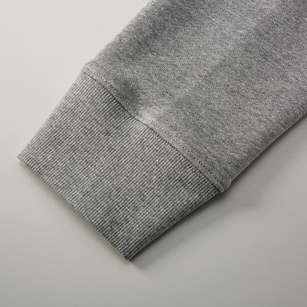 袖口は丈夫なダブルステッチ仕様、リブは2×2(ツーバイツー)の2本リブ