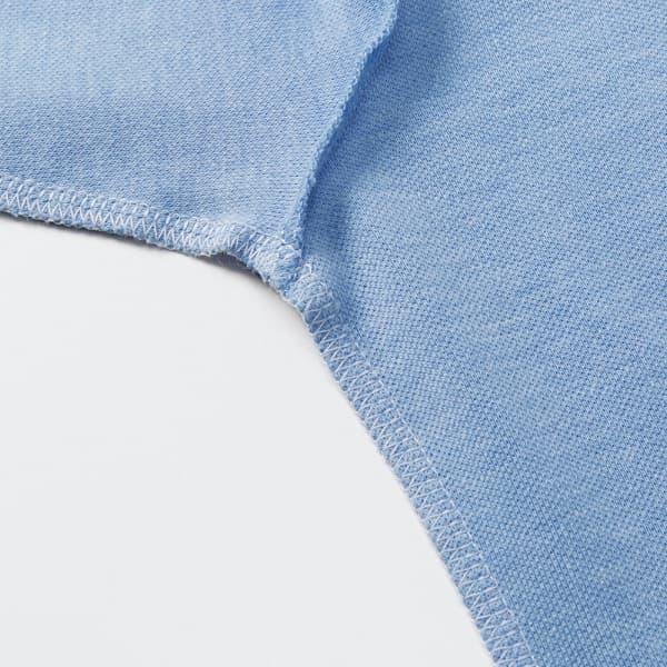 肩・袖下・脇部分には消臭糸を使用