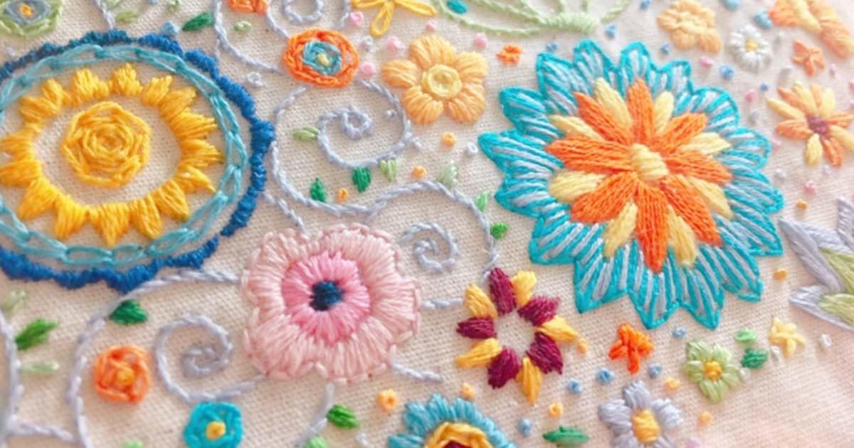 ワンポイントだけでも素敵なアクセントに!お花の刺繍を自分で作ってみよう
