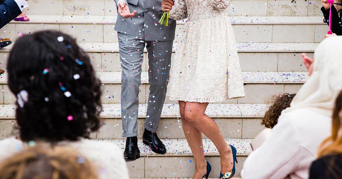 結婚式で両親に感謝の気持ちを込めて贈るオススメのプレゼント5選