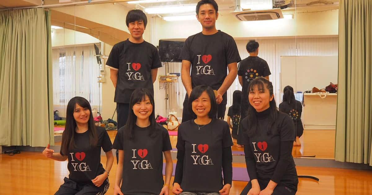 ヨガクラス2周年記念のヨガウェアをオリジナルTシャツで!│オリジナルTシャツ作成の事例紹介