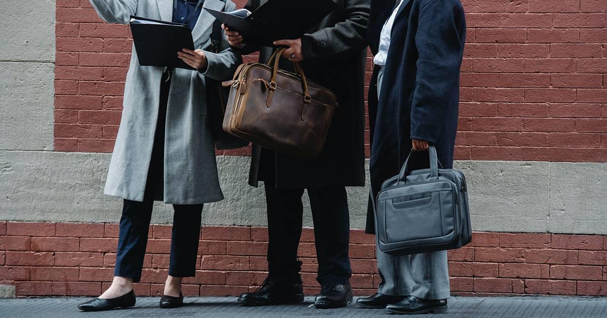 ビジネスで使えるトートバッグとは?6つの選び方を徹底解説
