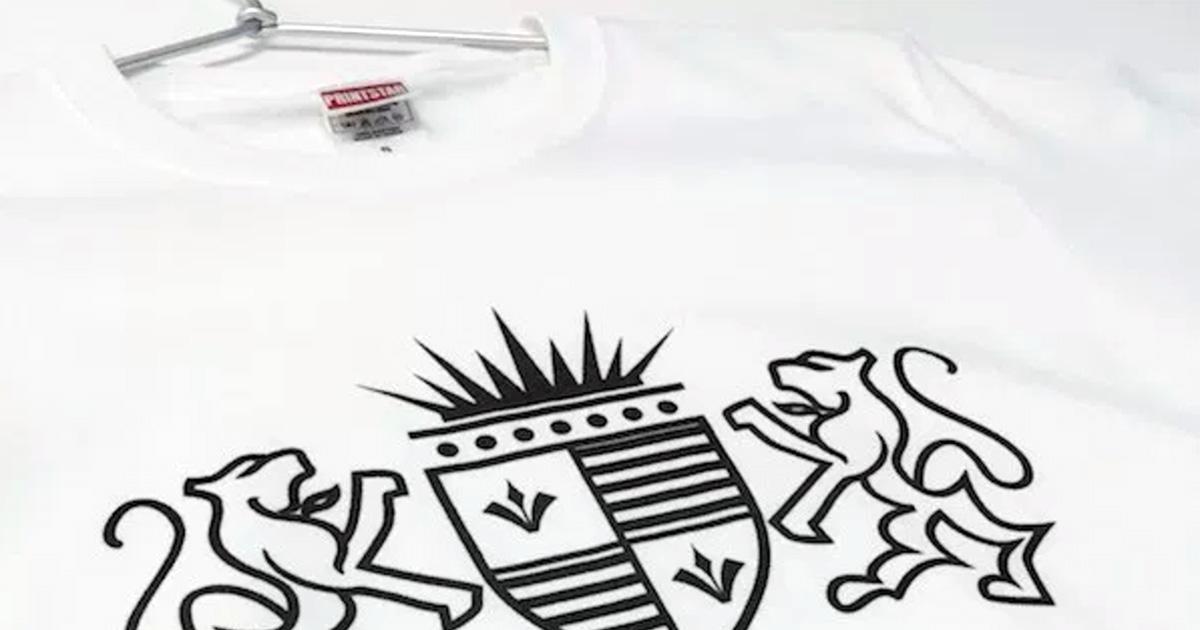 プライベートで着れる普段着用のオリジナルTシャツを作ってみました