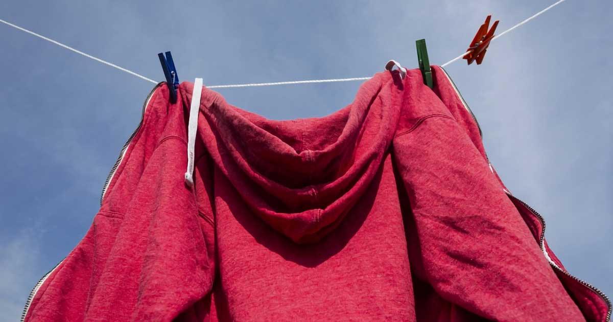 シワになりにくい、パーカーの正しい洗い方と干し方