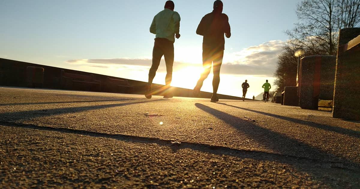ジョギングをする時に持っていきたいグッズはこれ!持っていく際のポイントも解説