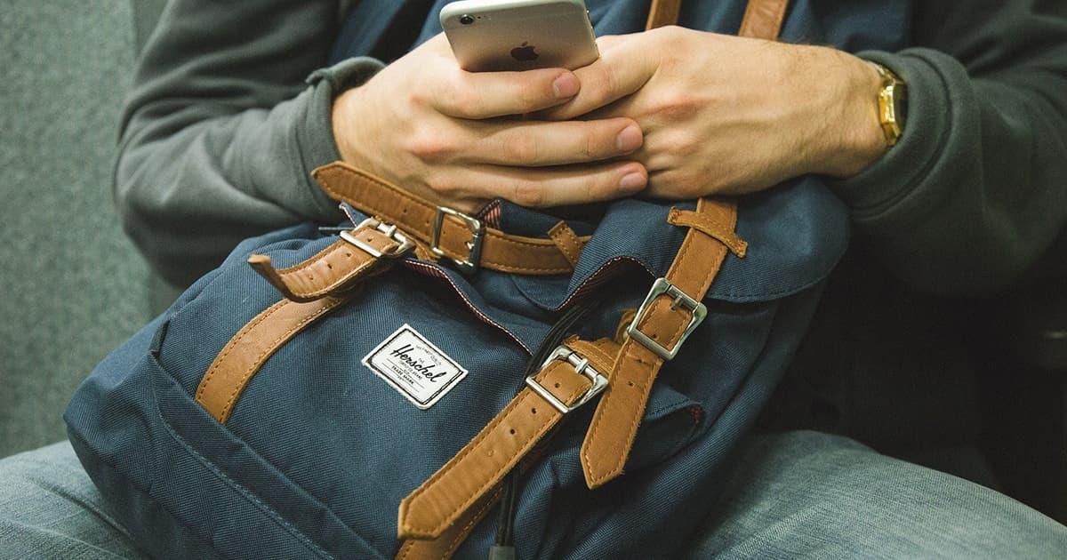 モバイルバッテリーを安全に使おう!事故の原因と選び方を解説します