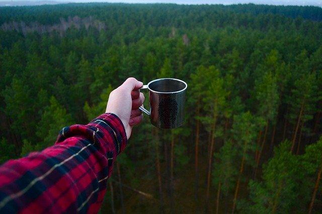人気のチタンマグカップ!その魅力と活用方法、チタンマグカップの選び方を解説!