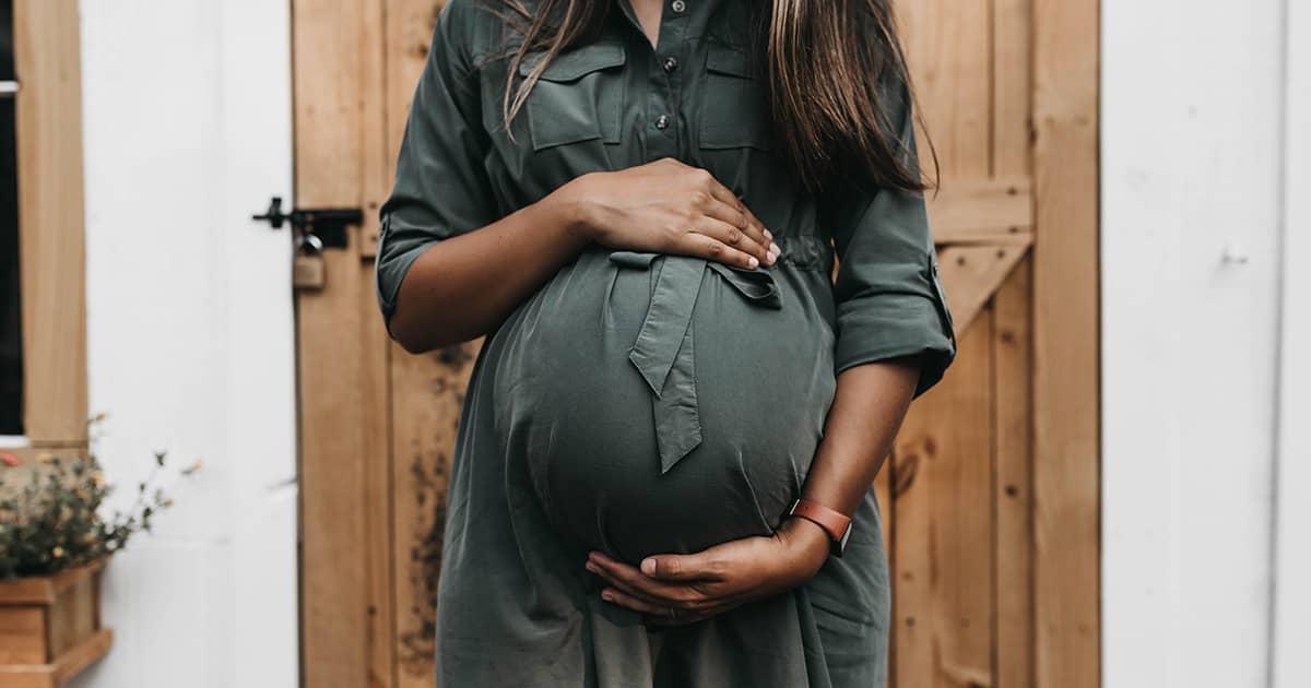 妊娠祝いに喜ばれるプレゼント6選!贈る時のポイントも解説