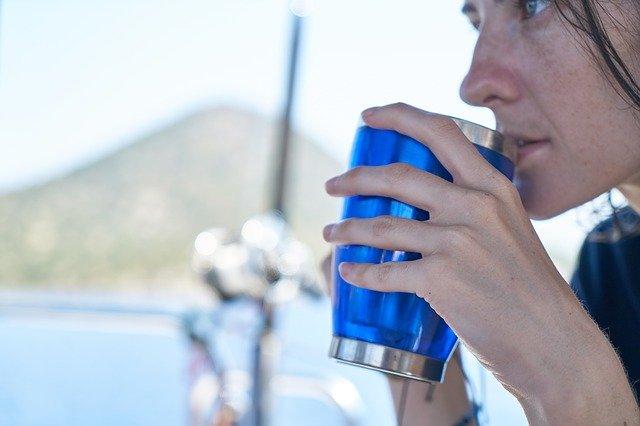 【オリジナル製作もおすすめ】真空断熱マグカップを使いこなすポイントや注意点