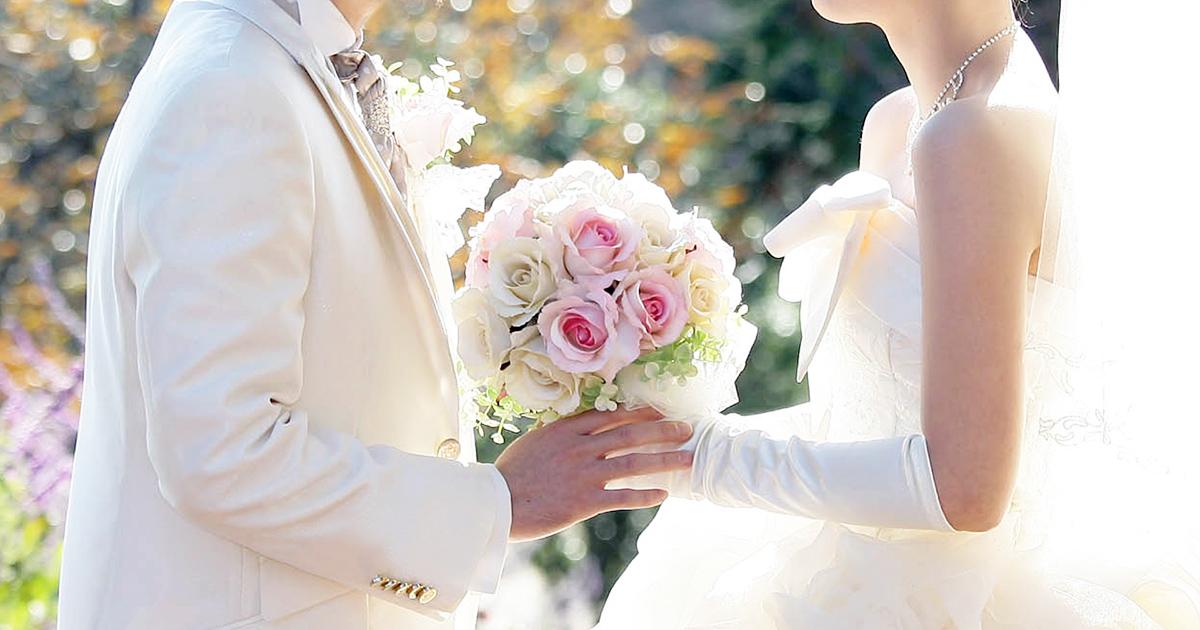 友達に結婚祝いのプレゼントを贈りたい!喜んでもらうにはどんなプレゼントがいい?