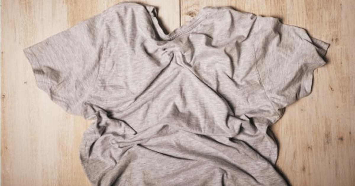 洗っているのにどうして・・・Tシャツが黄ばむ原因と対策