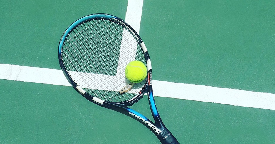 可愛い!ワンピースタイプのテニスウェアの選び方とブランドの種類特徴