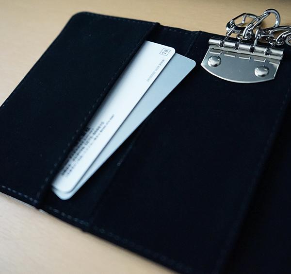 カードポケットもあるので便利!