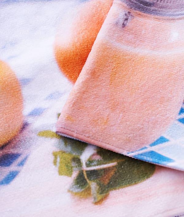 全面プリントフェイスタオル 表面(ポリエステル100% シャーリング加工)は昇華転写プリントに最適なので、しっかりくっきりと印刷が可能