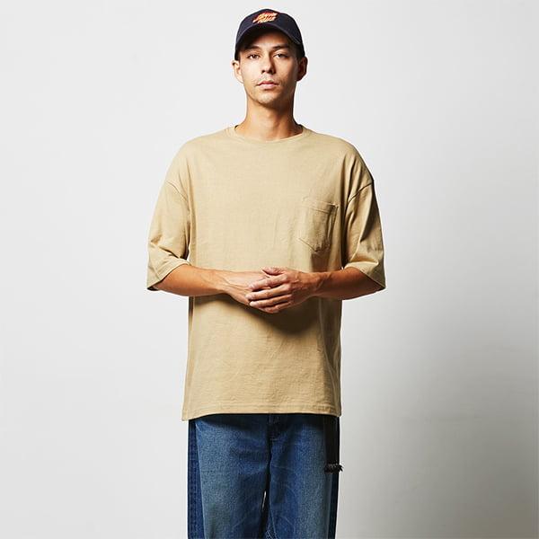 モデル身長182㎝/Lサイズ/サンドカーキ着用/正面シルエット