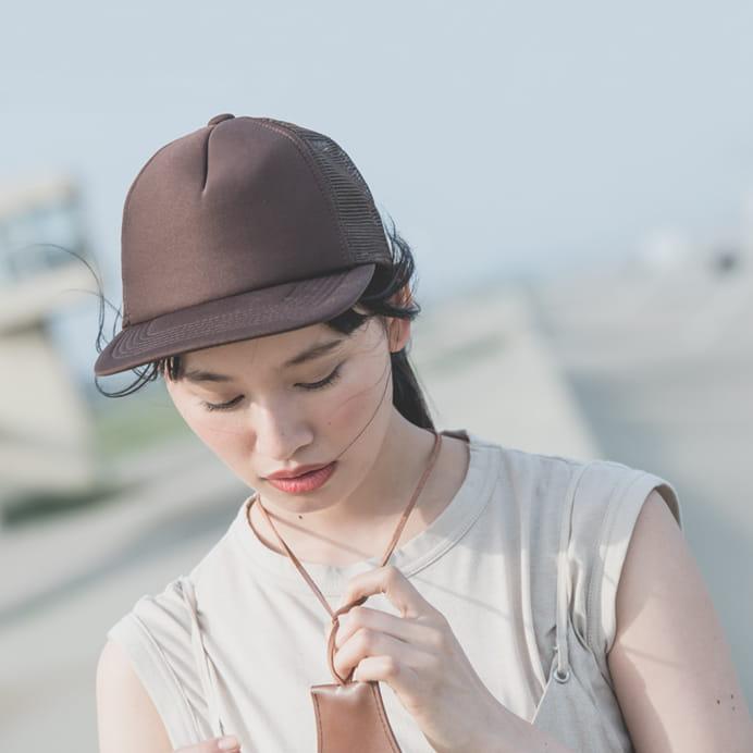 メッシュキャップの着用イメージ 女性