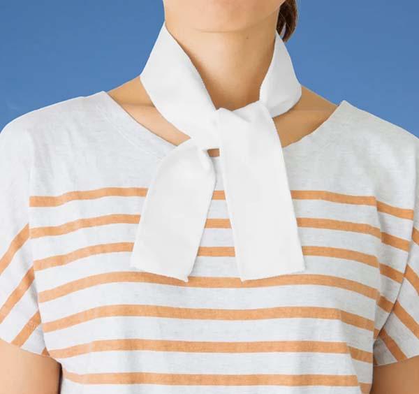 スグヒエスカーフの着用イメージ